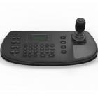 Клавиатура управления, LCD-экран с разрешением 128х64, 4-х позиционный джойстик, 1 RS-232, 1 RS-422, 1 RS-485, 1 USB, DC .... (DS-1006KI)